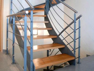 Escalier-deux-quart-tournant-double-limon-Le-Broc