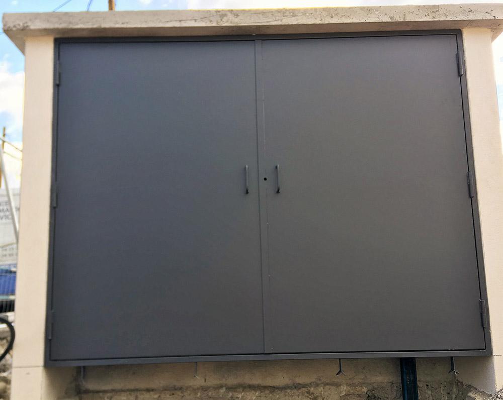 double porte armoire electrique exterieure Carros