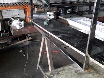 etagere inox sur mesure finition effet miroir poli