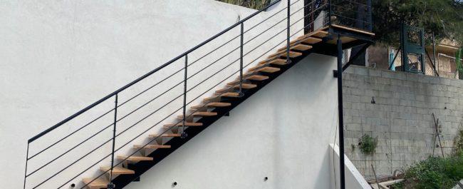 escalier limon central quart tournant