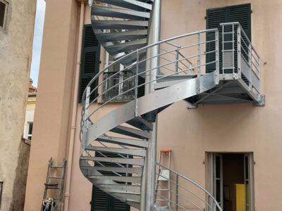 escalier metallique ferronnier metallier menton